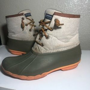 Sperry duck rain boots size:6